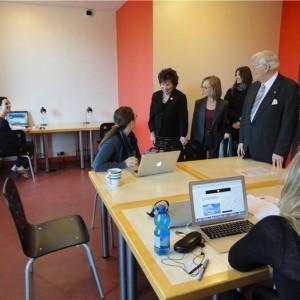Visiting Students at Canada House_103410