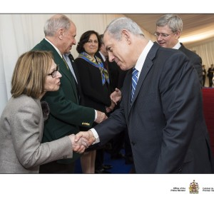 Shaking-hands-with-PM-Netanyahu1